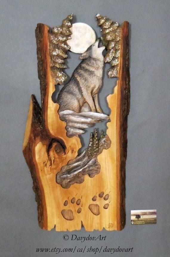 Loup et lune Sculpté sur Bois ,Sculpture avec des sapins Écorce En