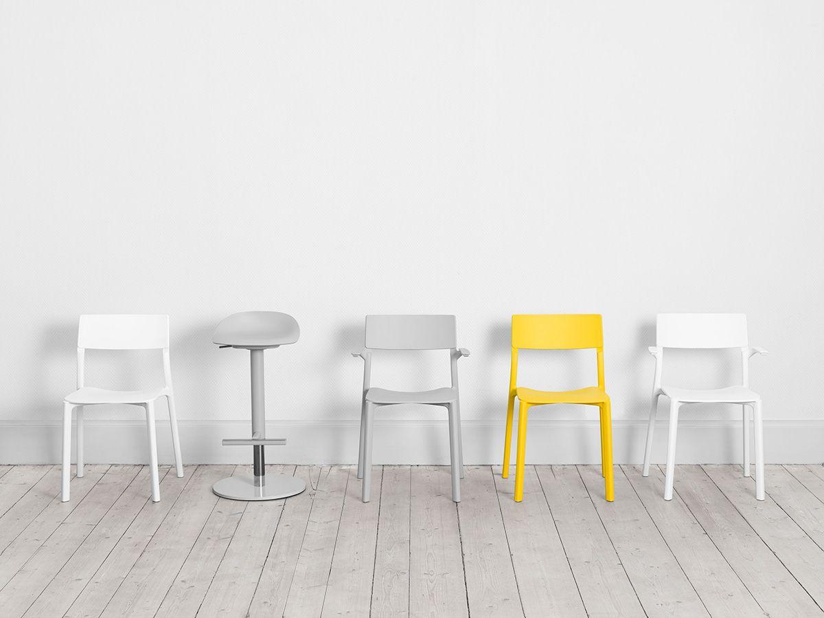 Ikea Sedie In Plastica.La Sedia Bella E Resistente Di Ikea E Form Us With Love Sedia