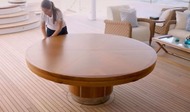 VIDEO: I Thought This Was A Normal Wood Table, Then SHe Yanked On It And Transformed It Into THIS - American Overlook Mobile