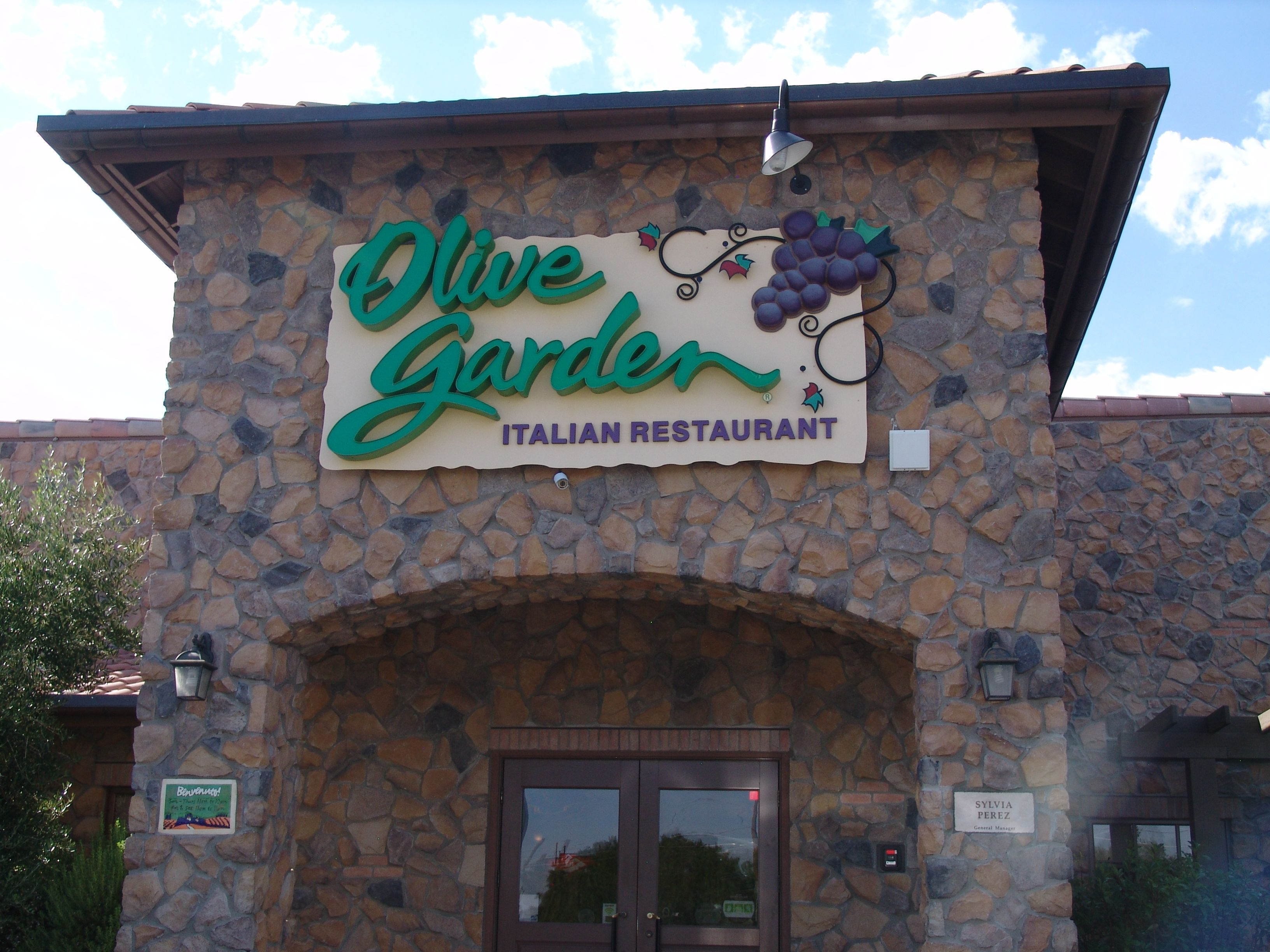 Enjoy a meal at our local olive garden italian restaurant