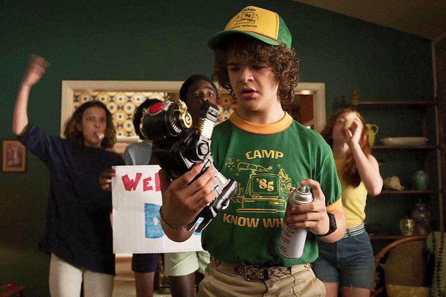 Dustin S Welcome Home Surprise S03e01 Stranger Things Season