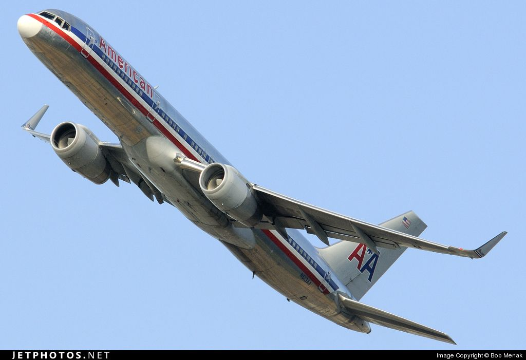 An interesting shot of an AA 757 on take-off  You can practically