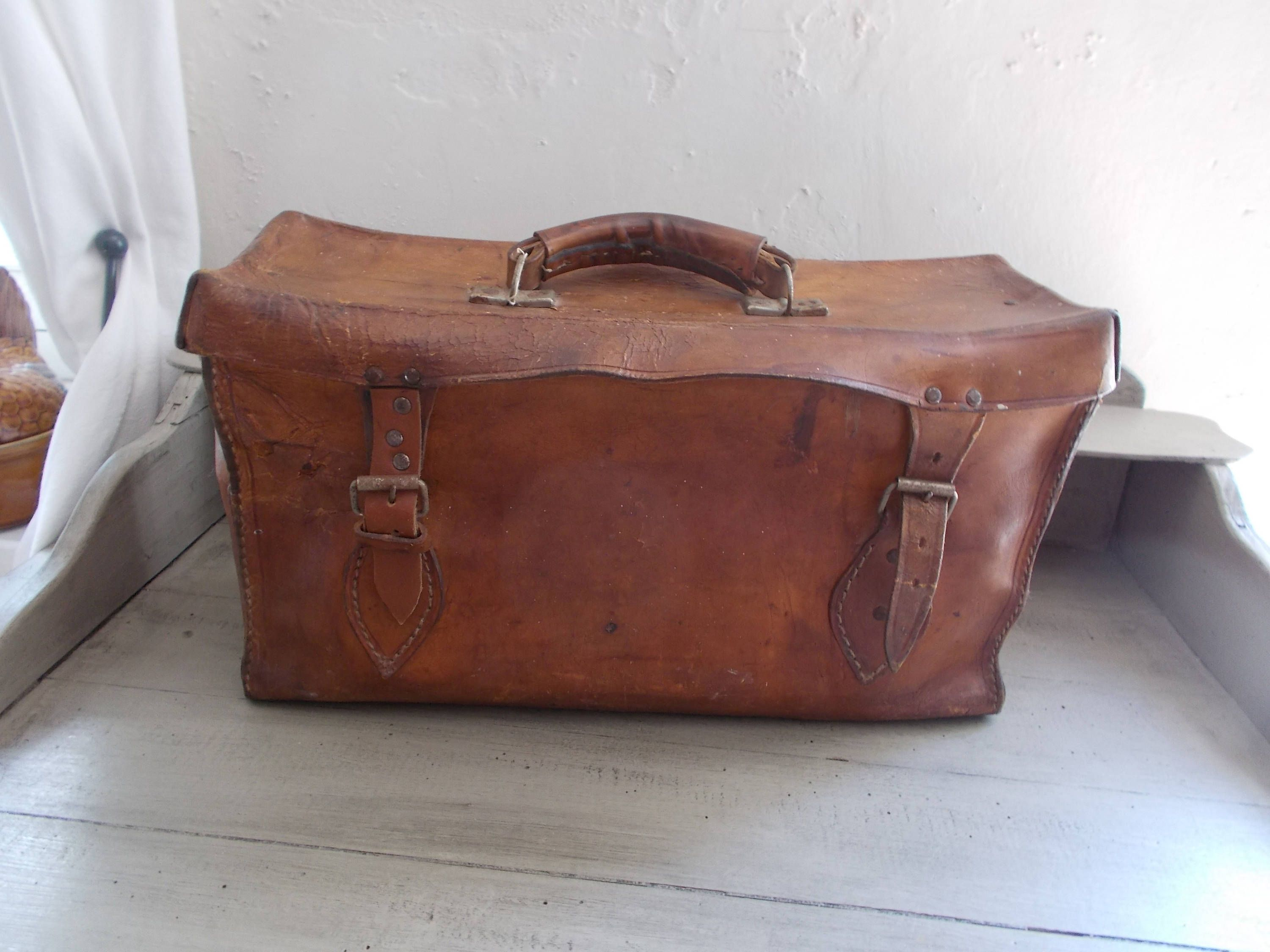 Vintage French Leather Work Army Motorcycle Bag Pannier Thick Leather Great Patina Metal Compartments Sturdy Handle Steam Punk By Thick Leather Bags Leather