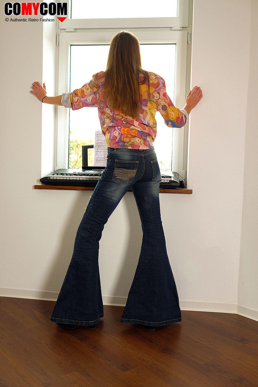 2a79392f7ef57b Mega Jeans Schlaghose im coolen Retro Style mit mega vielen Details....  #Retrostyle #Megaschlaghose #Jeansmode #Jeansfashion
