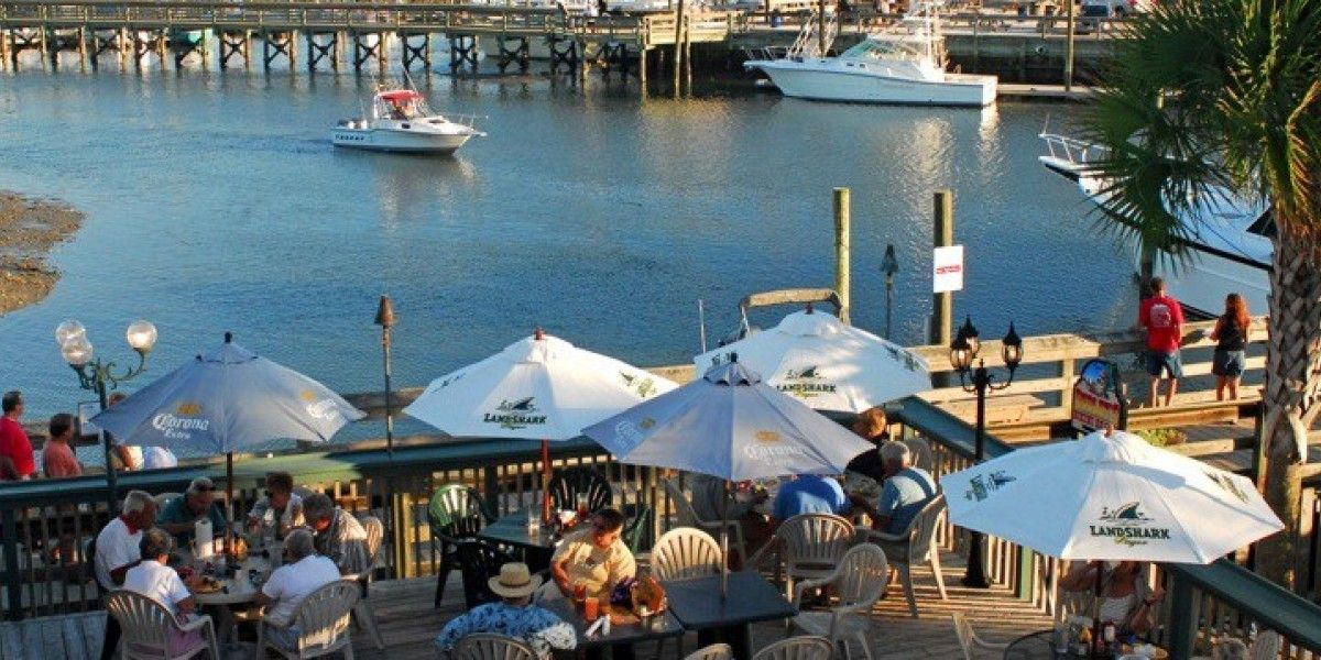 The Murrells Inlet Marshwalk Is Always A Por Choice For Folks Looking Great View While They Re Dining Out Here S Top 11 Waterfront