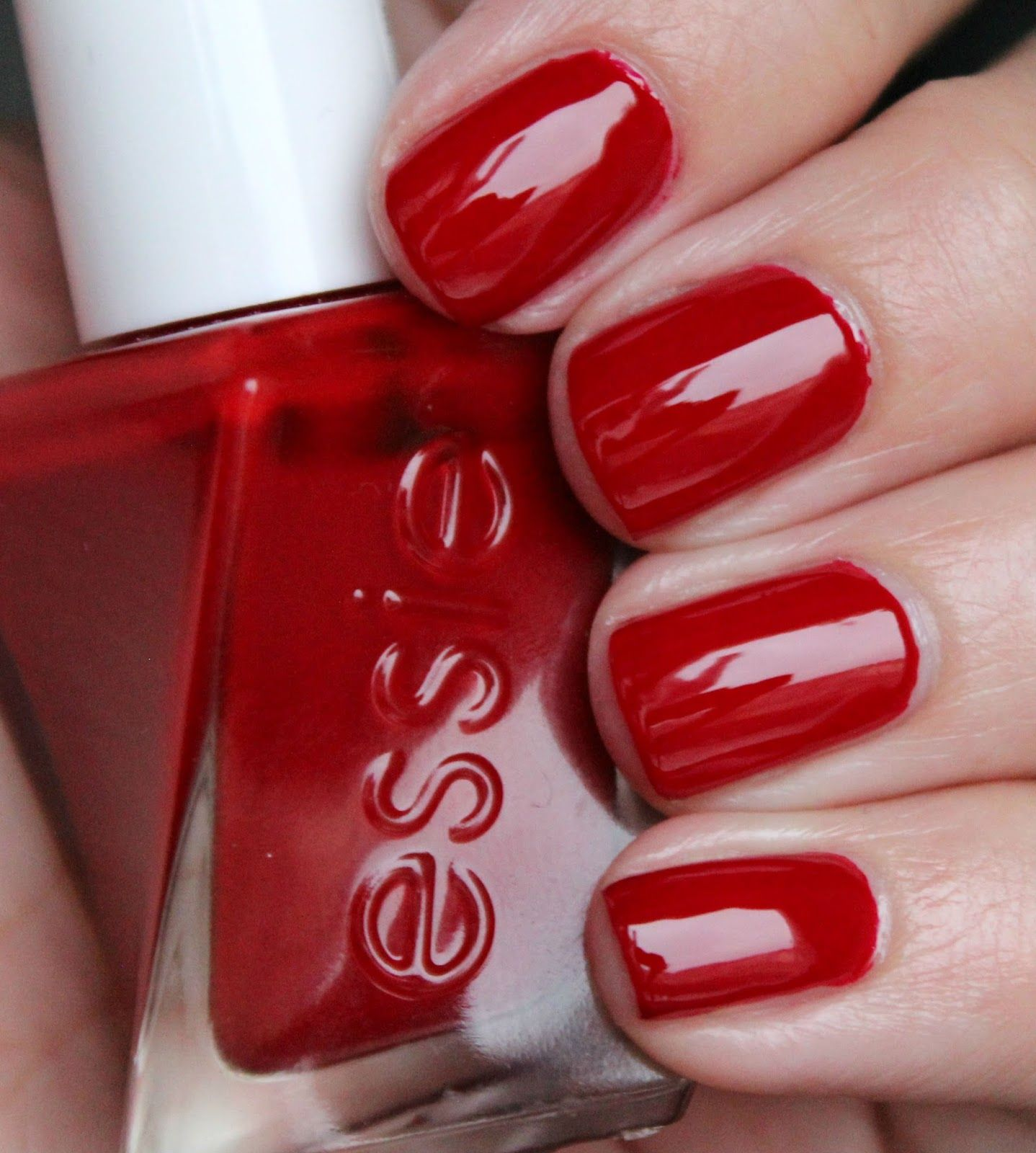 Essie Gel Couture - Bubbles Only | Nails | Pinterest | Essie gel ...