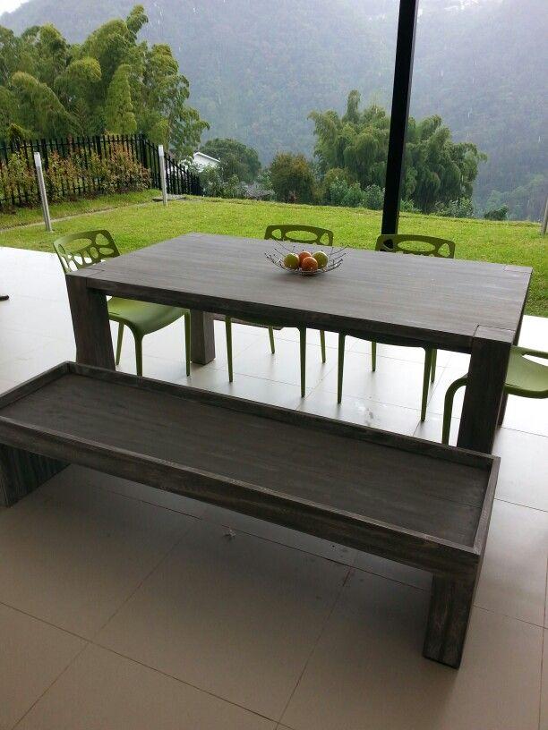 Mesa comedor en urapan con banca en la misma madera acabado ...