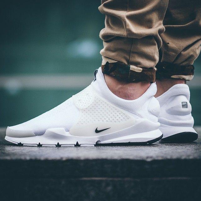Estos zapatos se ven muy raro, pero también es bueno. Me gustaría usarlos en  · Nike Clothes MensNike Shoes ...