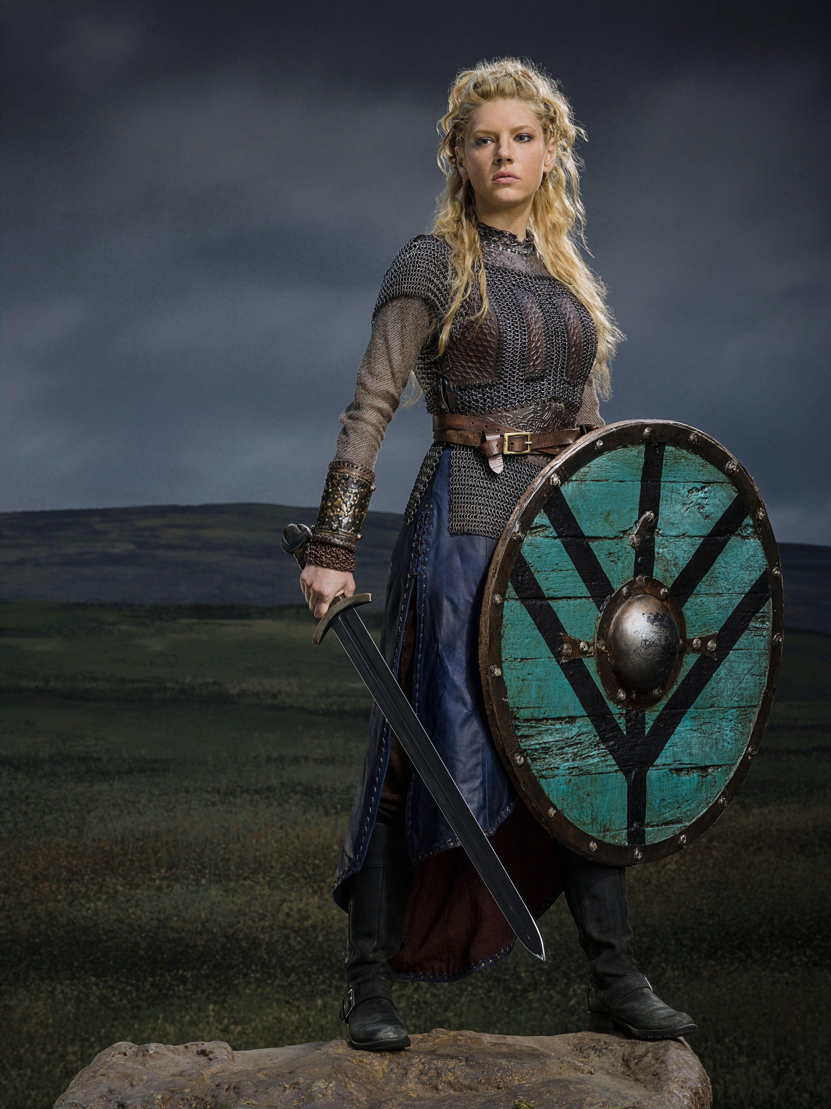 Inspiration médiévale pour les tenues de Lagertha dans Vikings.