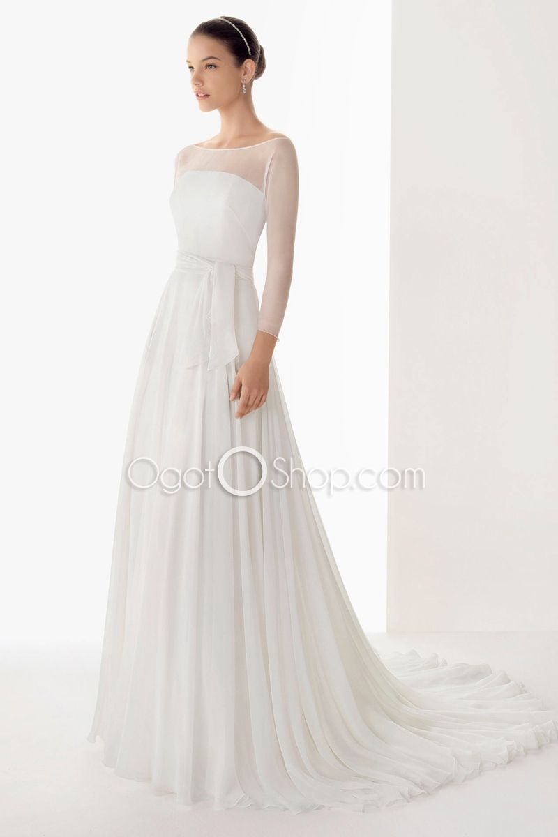 This wedding dress reminds me of Arwin from The Lord of the Rings ...