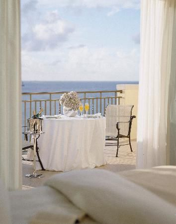 Nice dinning area