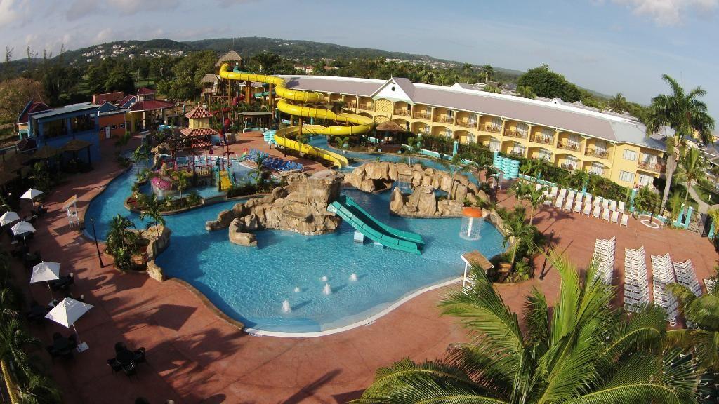 Jewel Runaway Bay Beach Golf Resort