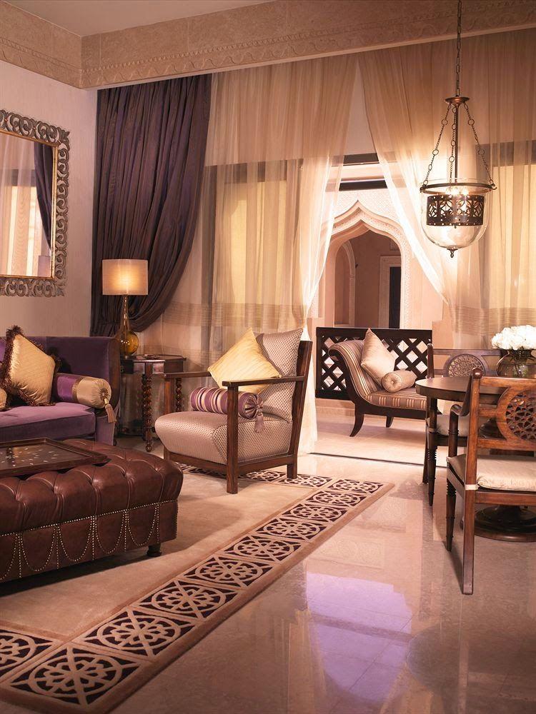 arabian style living room - 736×981