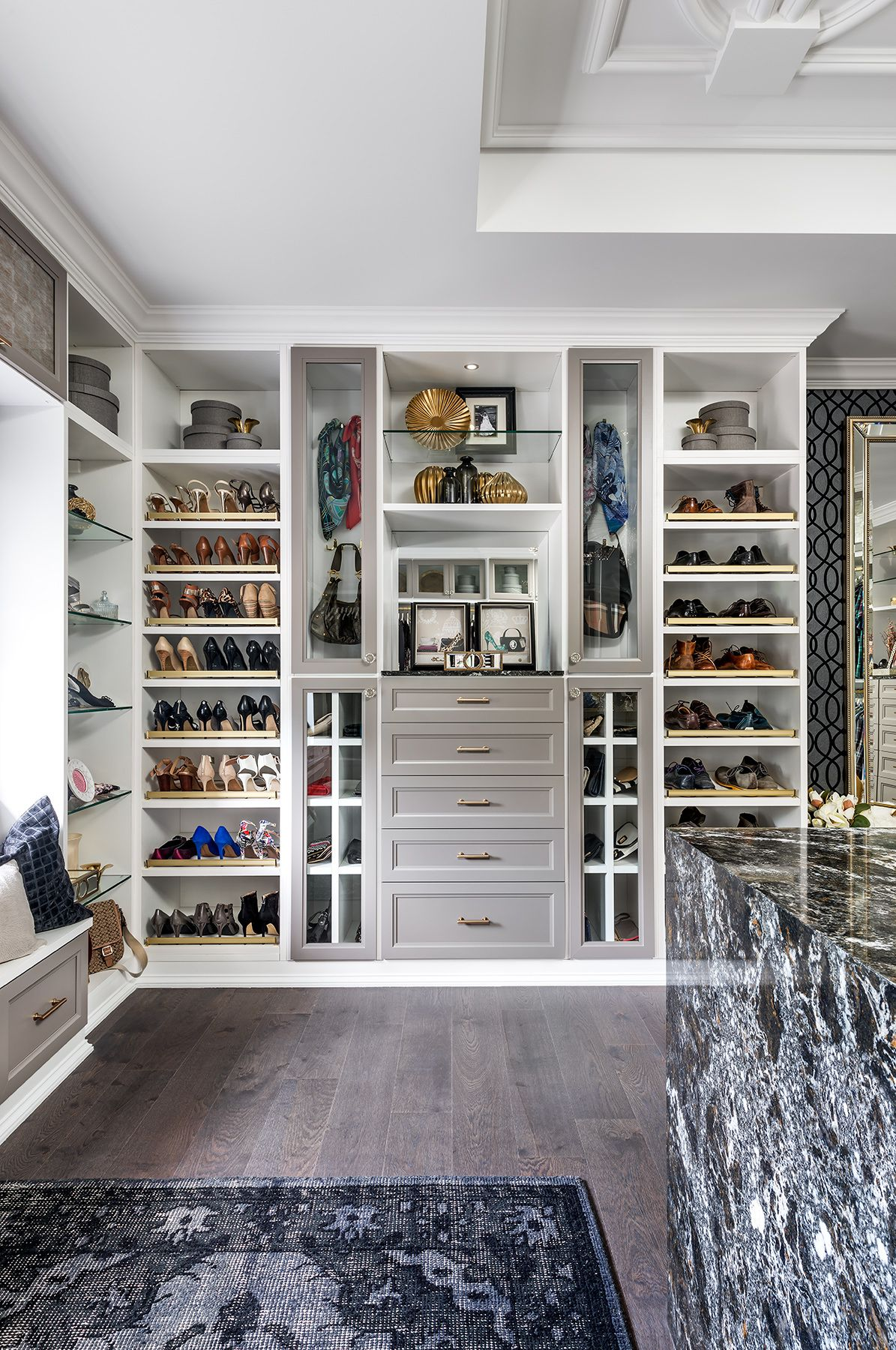 Ideas Of Functional And Practical Walk In Closet For Home: 5 Tips For A Functional Walk In Closet