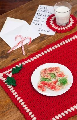 Free Crochet Pattern: Holiday Placemat Set featured in Sova-Enterprises.com Newsletter