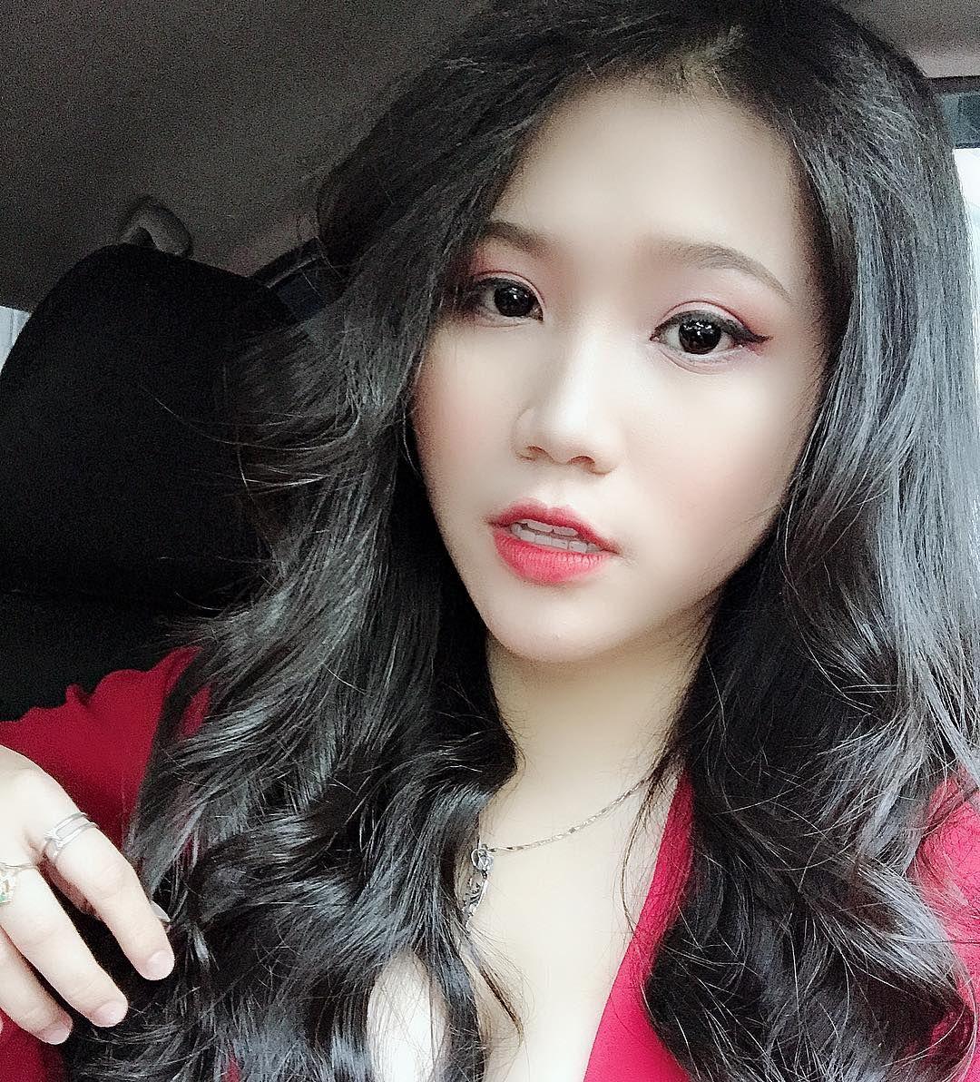 Hotgirl Quỳnh Na   E-CUP   WWW.DEPVAILON.COM   Page 1