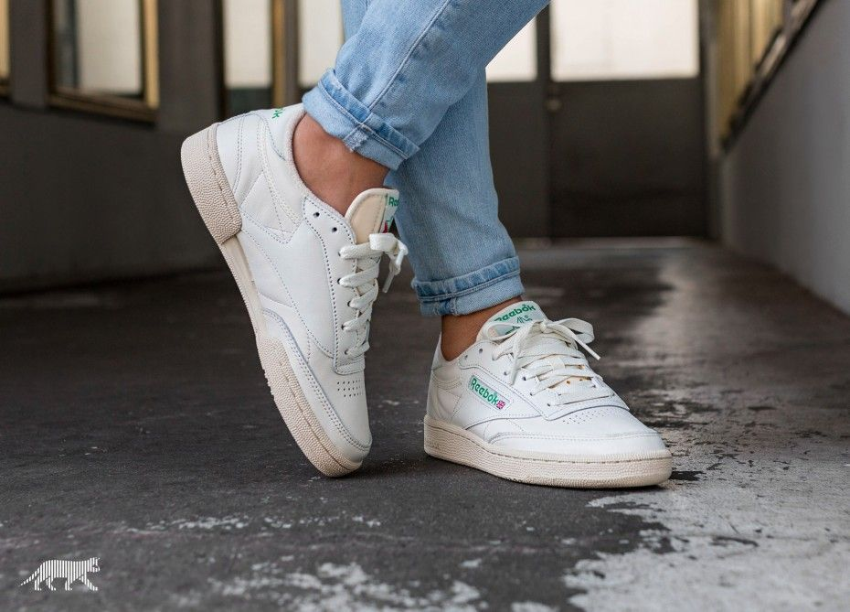 the latest 41a60 aa961 Reebok Club C 85 Vintage W Chalk Green White Red