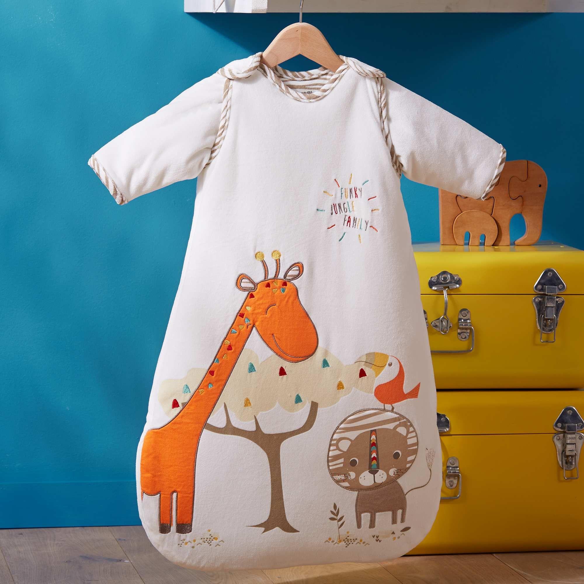 Este saco de dormir con mangas extraíbles es super práctico y bonito para  todo el año. Es de Kiabi.  saco  dormir  bebés  regalo  idea  ropa  kiabi 420f0612d4e