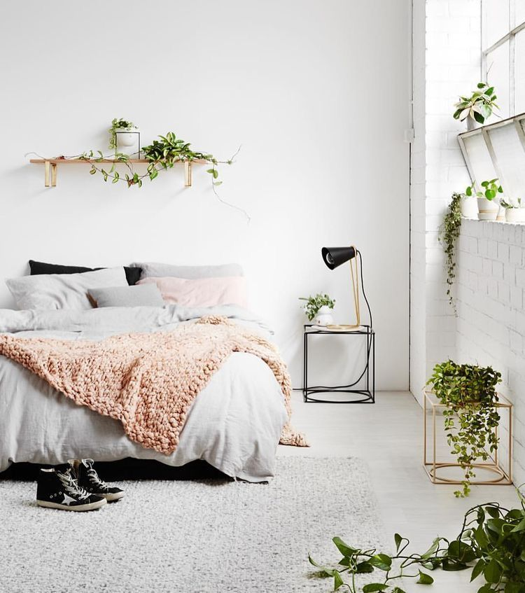 Simple Bedroom Interior Design: Pin By Reannine Barlow On Home
