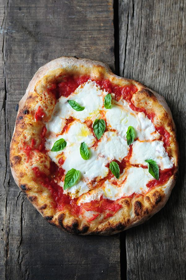 Photo of Pizza Margherita – DeLallo