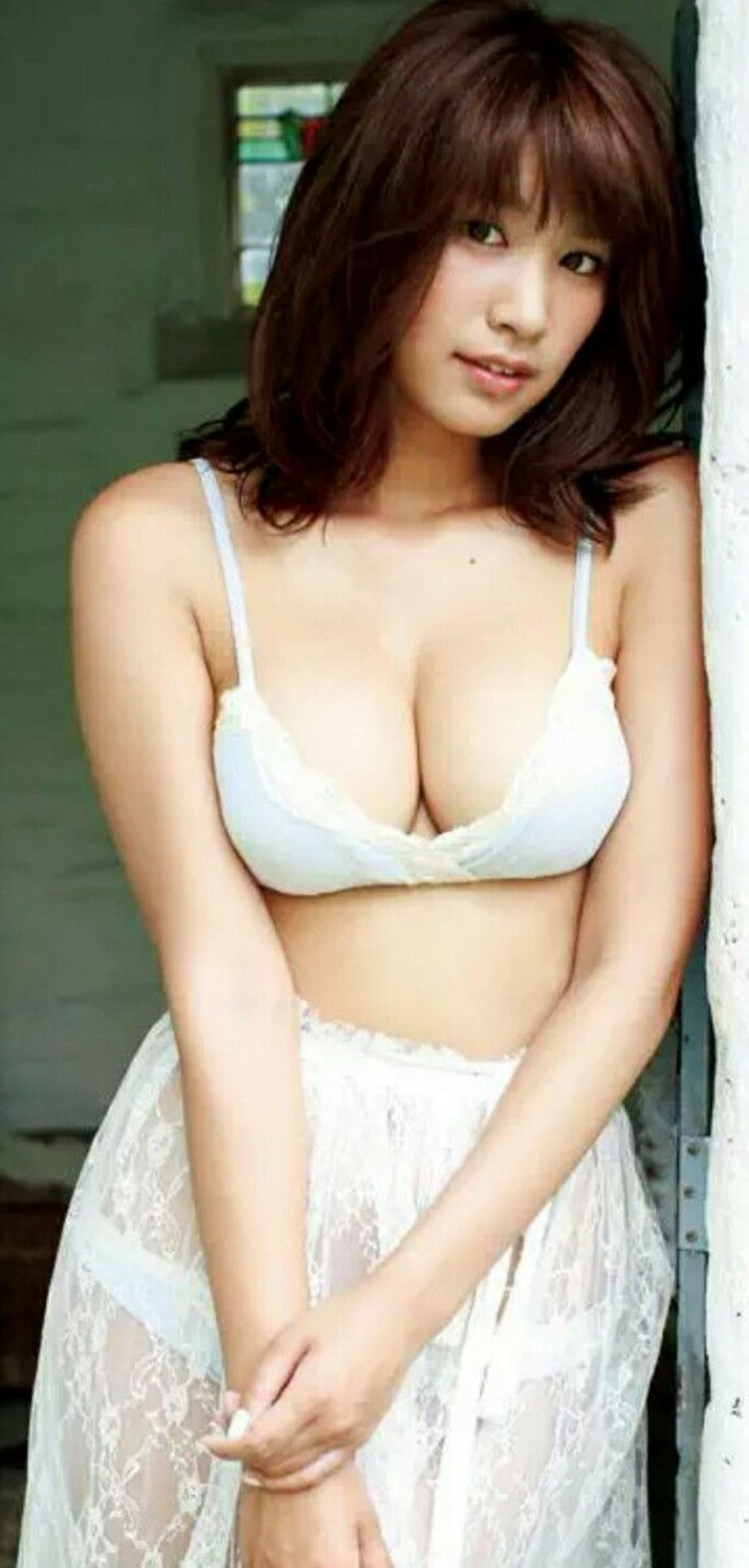 Hot Sexy Asian Girls bra Photos Gallery