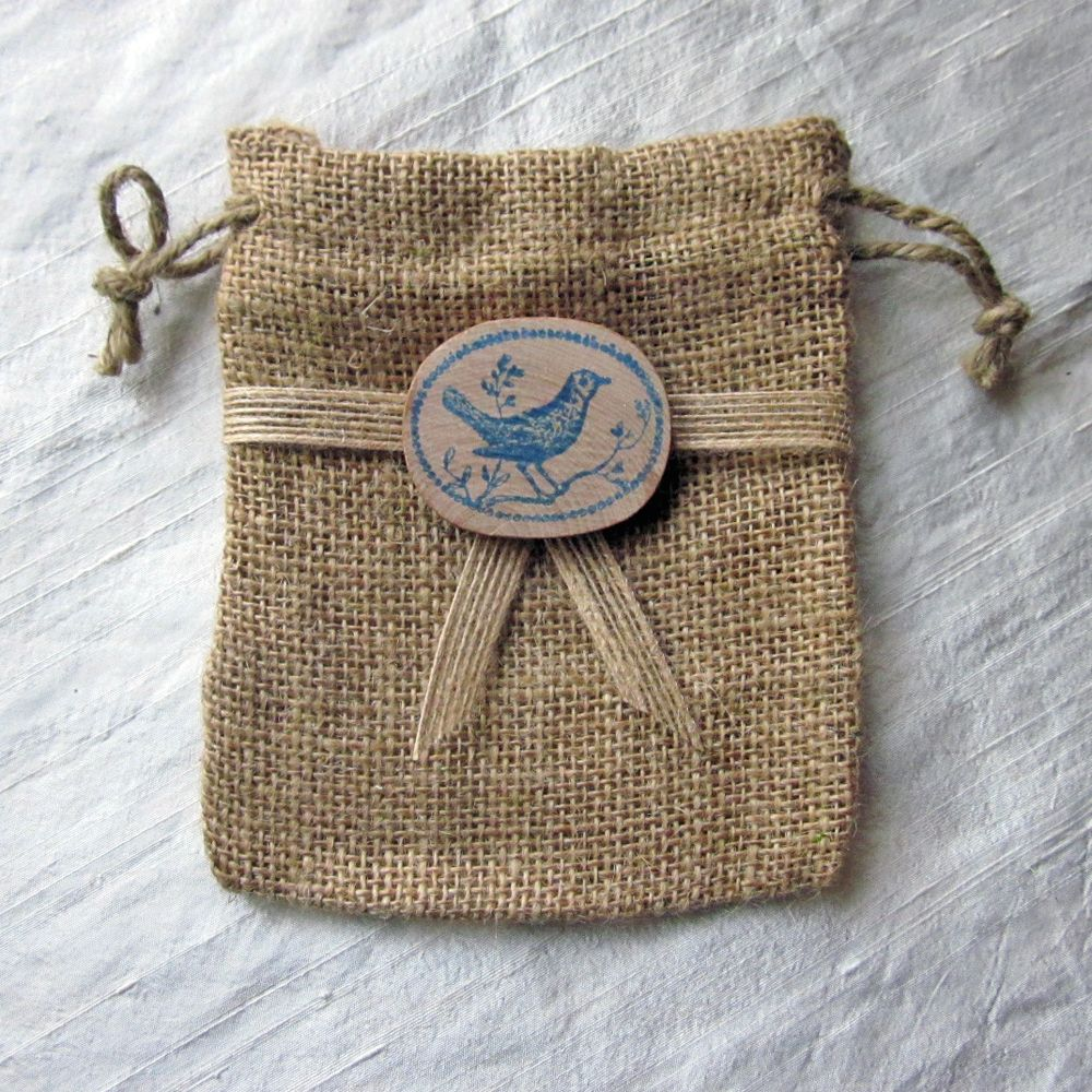 Burlap Flower Girl Basket Hobby Lobby : Burlap favor bag with jute ribbon and a sweet wooden