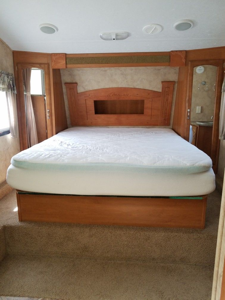 Short Queen Bed We Bought A New 8 Thick Foam Matress And A 2
