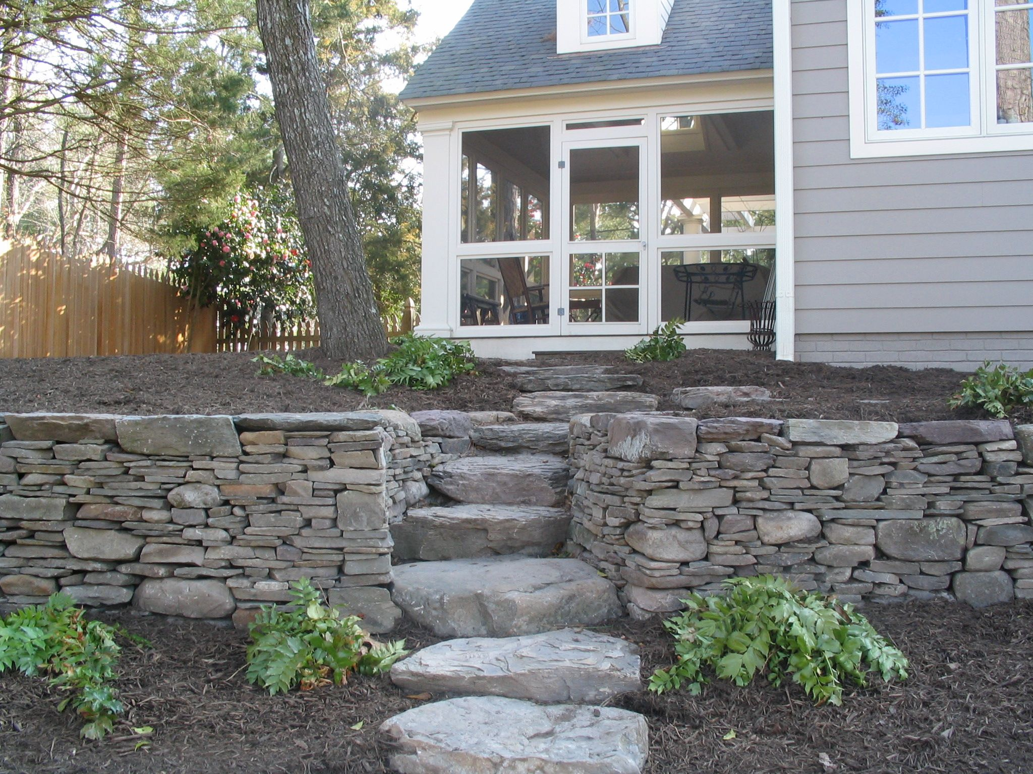 dry stack wall with natural fieldstone
