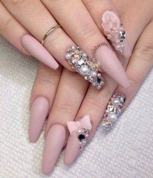 Diamond nails 30 nail designs with diamonds diamond nails diamond nails 30 nail designs with diamonds prinsesfo Image collections