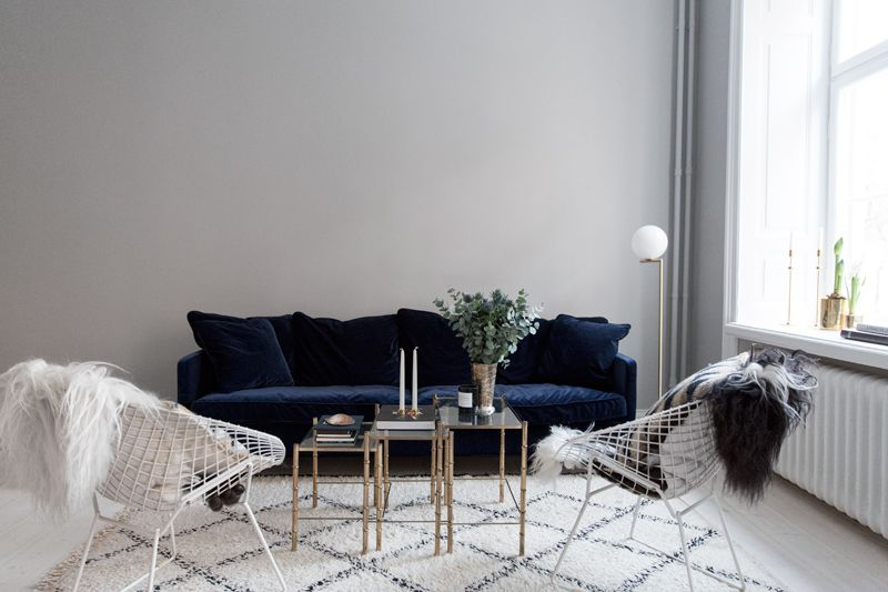 Amazing The Perfect Blue Velvet Couch House Blue Velvet Couch Andrewgaddart Wooden Chair Designs For Living Room Andrewgaddartcom