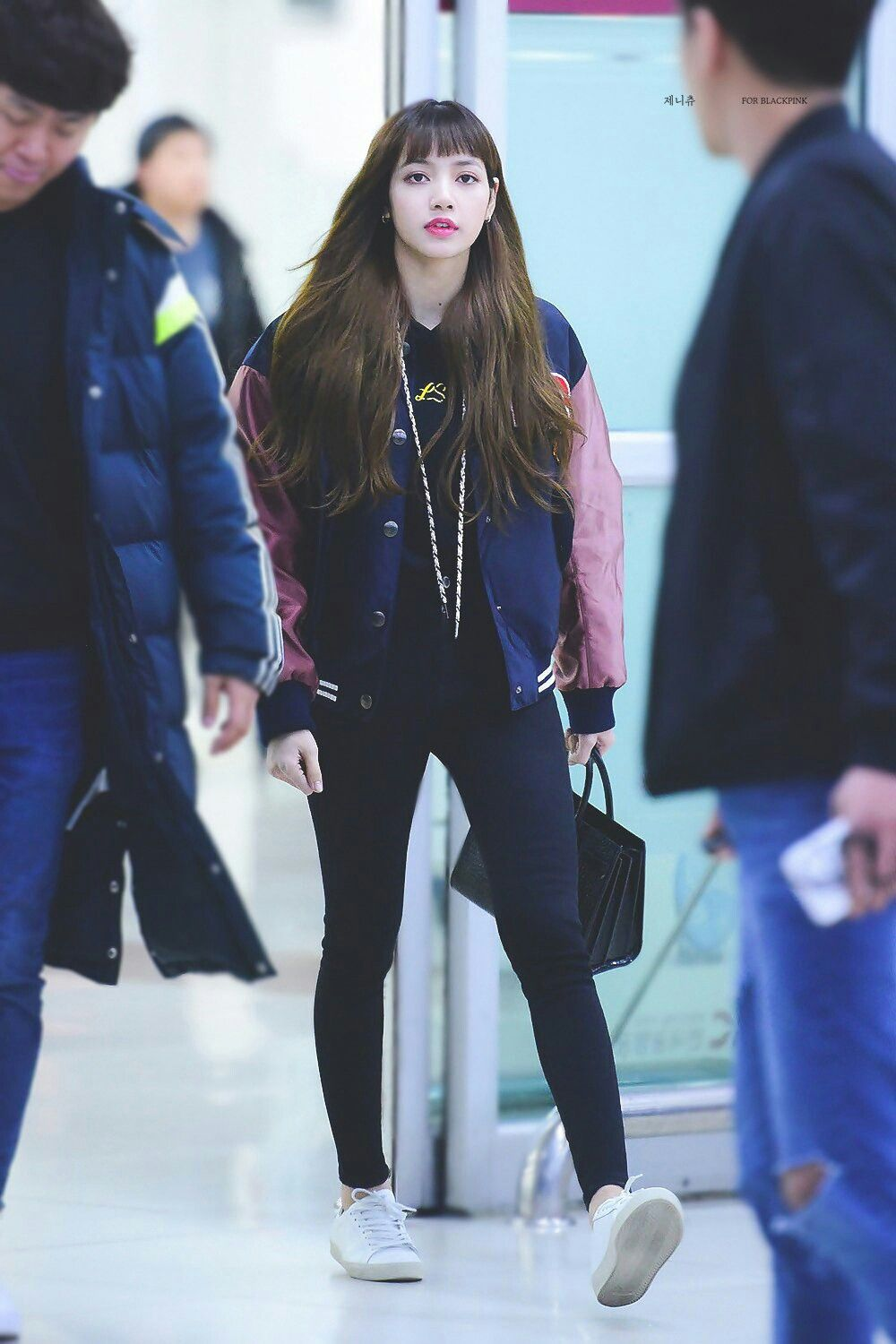 BLACKPINK Lisa at Gimpo Airport | My style | Pinterest | Blackpink lisa Blackpink and Lisa