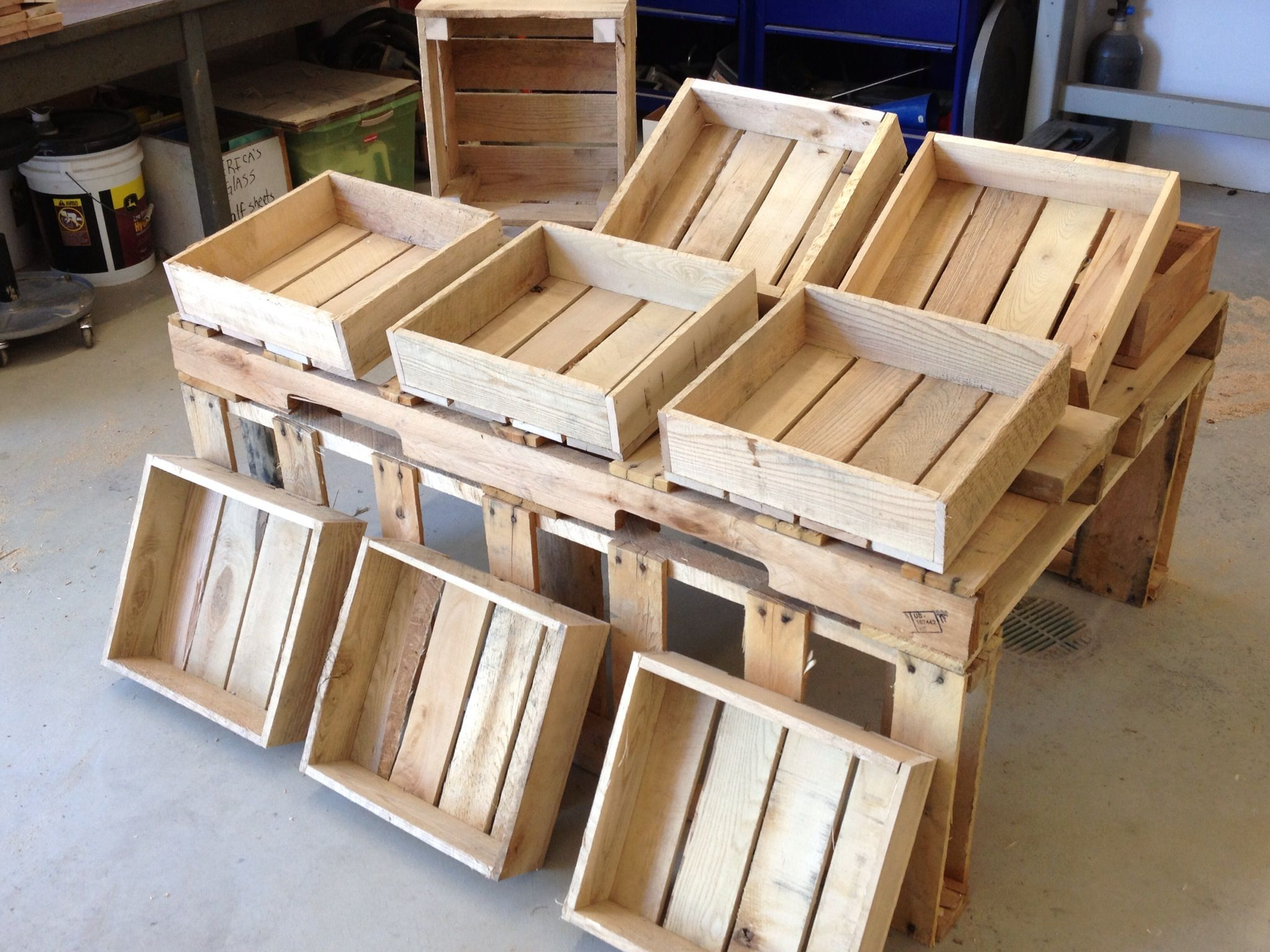Pallet display table and boxes for Coffee table made out of wooden crates