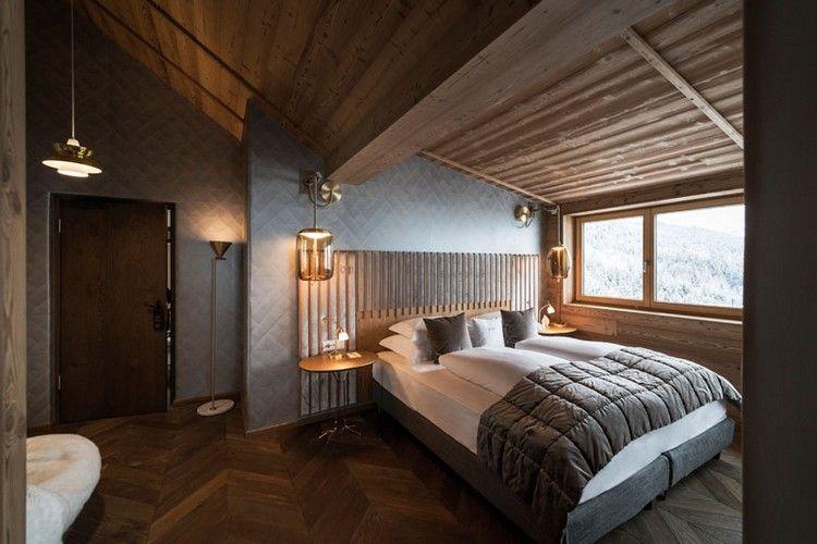 Schlafzimmer Dachschrage Penthouse Bett Am Fenster House