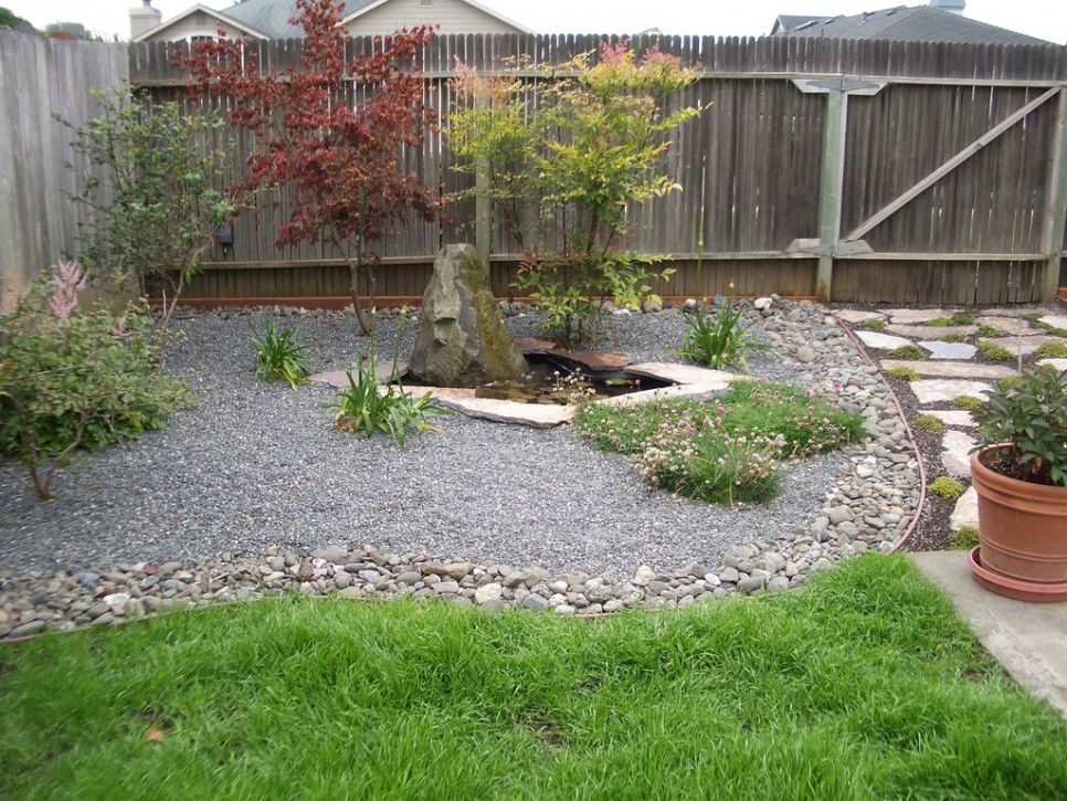 Garden And Patio Small Spaces Simple And Low Maintenance Backyard Landscaping Ho Large Backyard Landscaping Small Backyard Landscaping Cheap Landscaping Ideas
