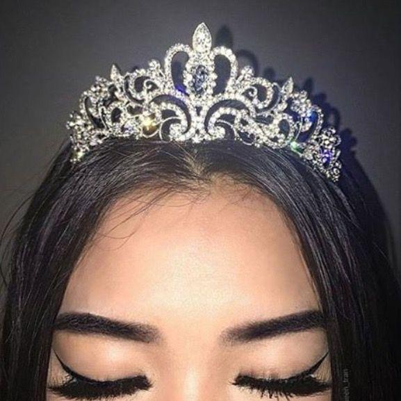 Hairstyles With Crown Queen: Pinterest @jaelynstlewis Makeup
