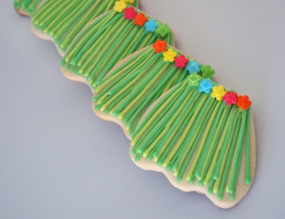 how to make a grass skirt for a luau