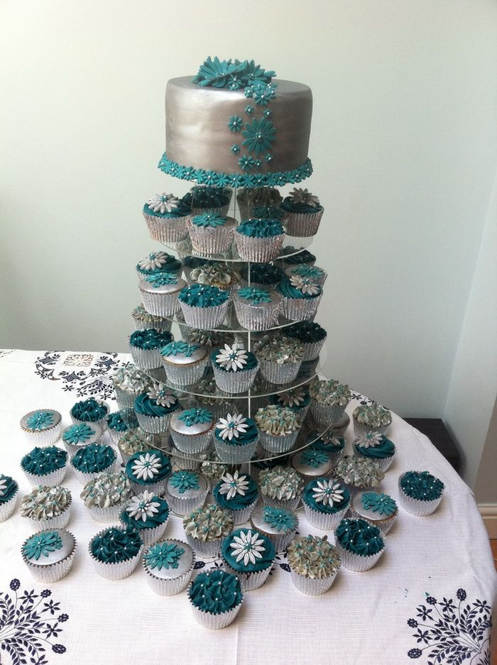 Silver Wedding Cakes With Cupcake