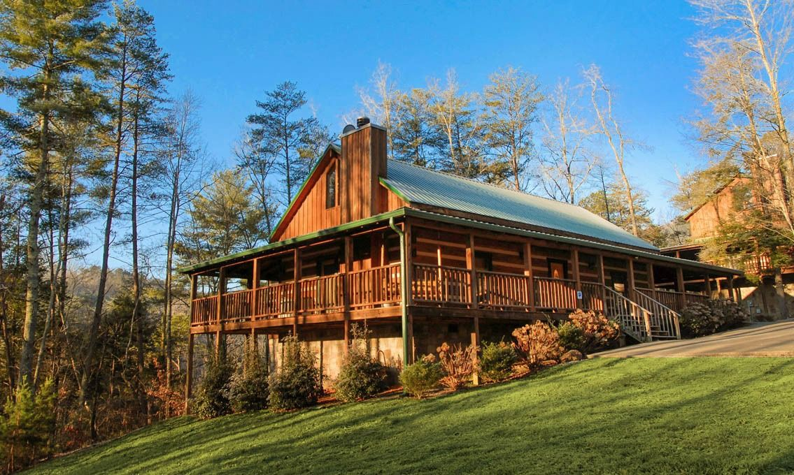 inn cabins tn gallery black rental inspirational near of pigeon bear sevierville rentals cabin luxury nestled bedroom forge images
