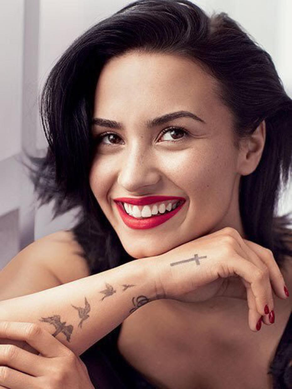 Demi Lovato à demi nue pour Allure Magazine, c'est le