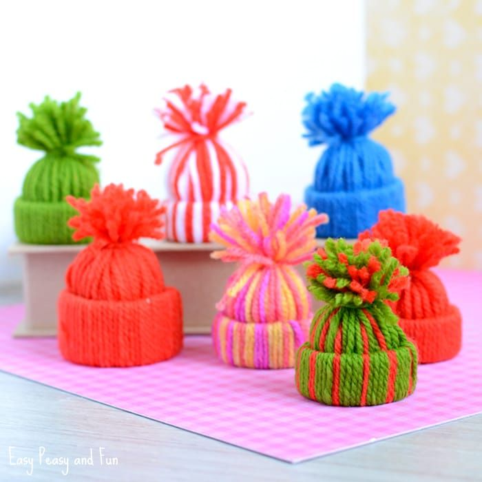 Mini Yarn Hats Ornaments - DIY Christmas Ornaments Yarns, Ornament