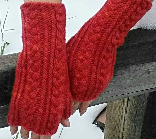 Chevy's Mitts by Sandra Buzza | malabrigo Worsted in Ravelry Red