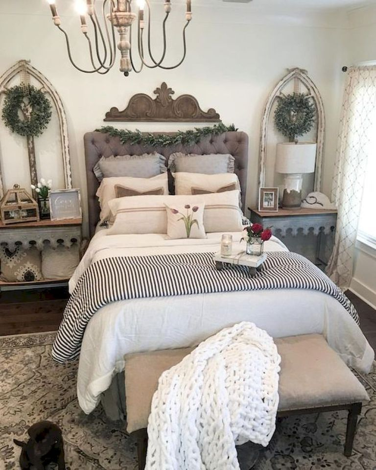 35 Best Modern Farmhouse Bedroom Décor Ideas (With Images