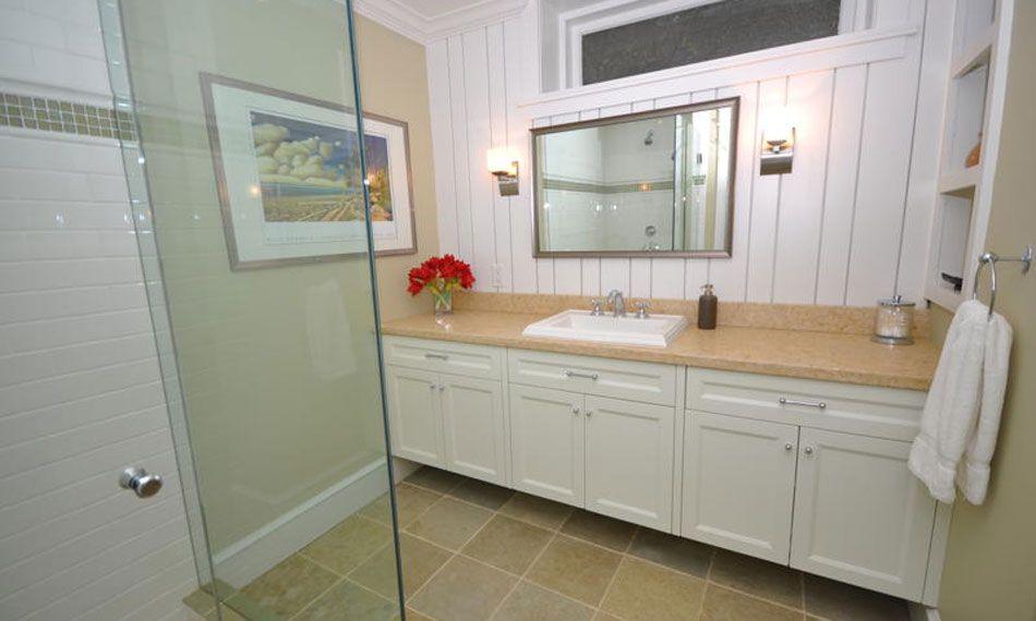 Vancouver Bathroom Renovation. Sleek design   Lorenz Developments Ltd.