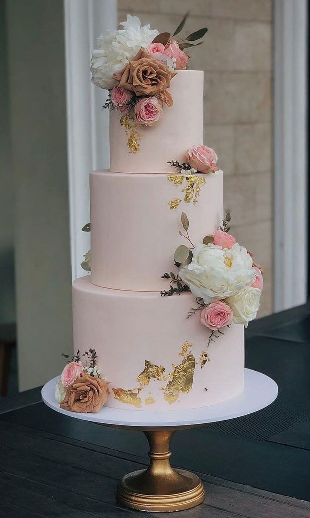 38 Extraordinary Themed Wedding Cake Designs Ideas To Try Asap In 2020 Pretty Wedding Cakes Cool Wedding Cakes Beautiful Wedding Cakes
