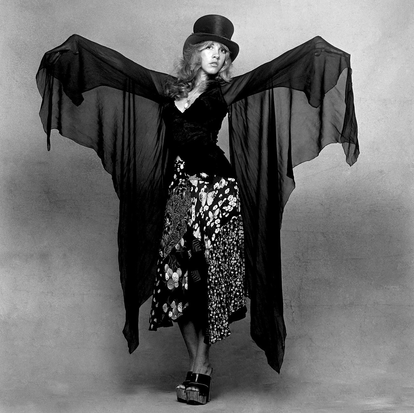 Happy Birthday Stevie Nicks 5 Ways To Channel Her Boho Chic Style Stevie Nicks Stevie Nicks Style Stevie Nicks Costume [ 1319 x 1320 Pixel ]