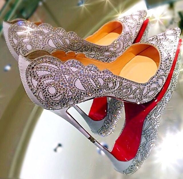 Christian Louboutin - Top Vague Crystal Embroidered Pump ❤️
