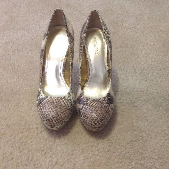 """Snake skin"" platform pumps Bakers ""Melina"" snake skin print platform pumps. Super cute. $25 OBO Bakers Shoes Platforms"