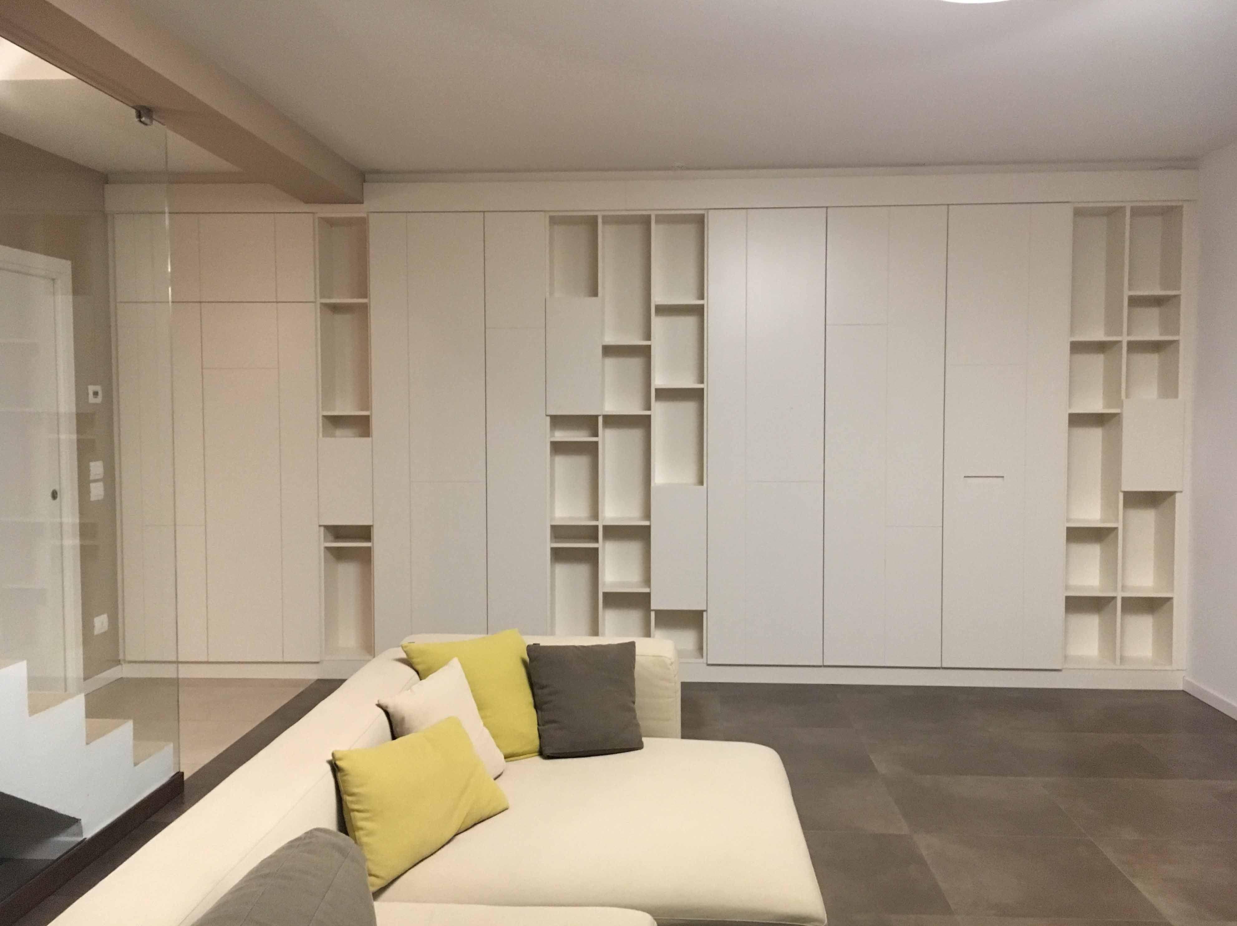 Armadio a muro, soggiorno, interni | Interni, Armadio a ...
