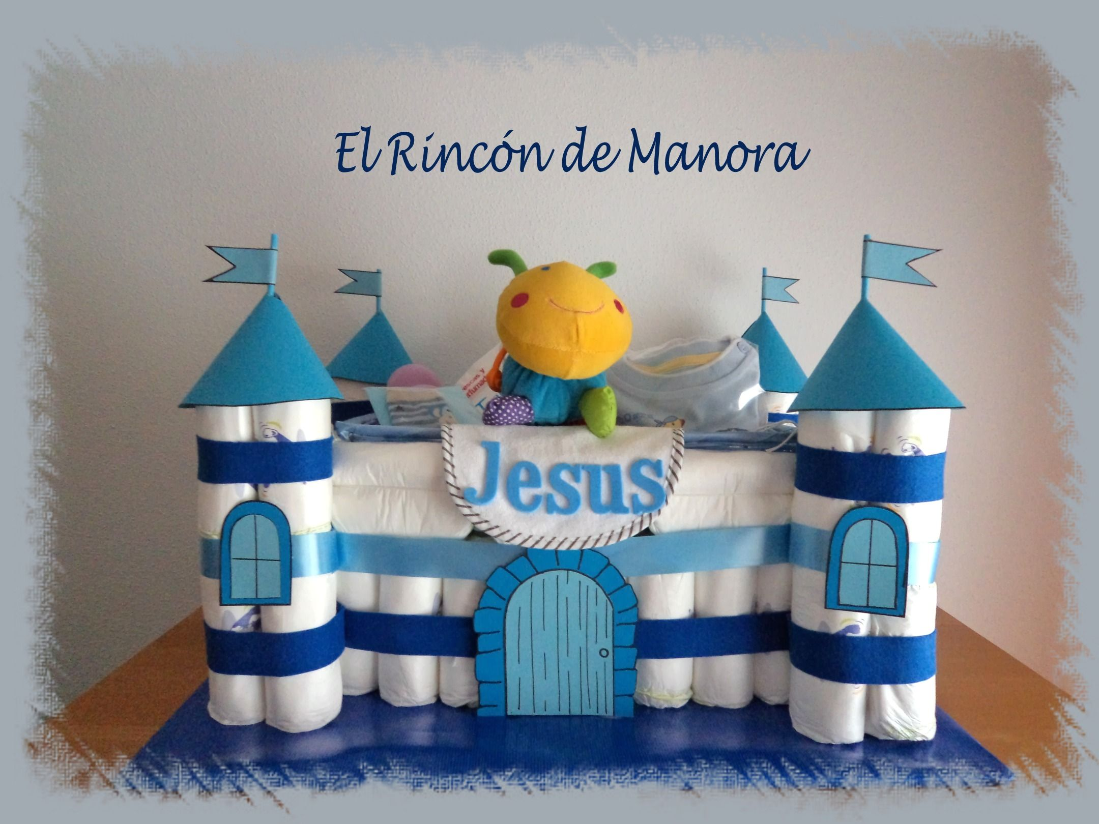 Castillo Hecho Con Panales Y Obsequios De Bebe Castillo De