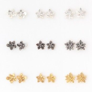 「ロゼット」  ロゼットとは、花が放射状に葉をひろげている状態のこと。どのピアスも上から見ると綺麗に放射状に広がっていて、とても美しいですね。